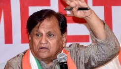 Congress leader Ahmed Patel meets Nitin Gadkari