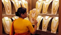 Gold prices up by Rs 61, surges to Rs 37,748 per 10 gm