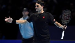 Federer faces early ATP Finals exit after Thiem defeat