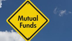 Mutual Funds betting on government debt to avoid risk