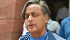 Tharoor gets warrant in PM defamation case