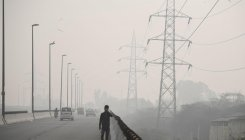 Smog delays start of Panasonic Open India golf