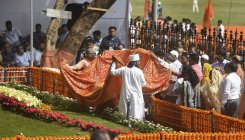 Power politics on death anniversary of Bal Thackeray