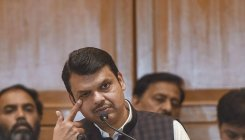 Fadnavis heckled at Balasaheb's death anniversary event