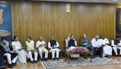 Naidu meets political leaders day before winter session