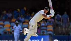 Warner's daddy ton makes Pakistan toil hard on Day 2