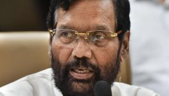 Paswan accuses Kejriwal of politicising water issue