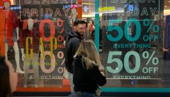 US shoppers spend online as Black Friday begins