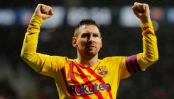Late Messi winner sees Barca sink Atletico
