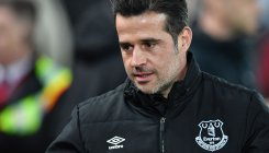 Everton sack Silva after dropping into bottom three