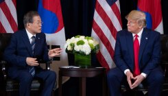 Trump, Moon discuss to maintain talks with N.Korea