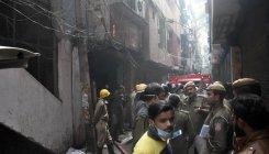 Fire breaks out in Delhi's Anaj Mandi area, 43 dead