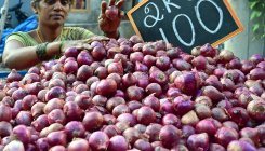 Hyd: About 20 kg onions stolen from woman vendor's cart