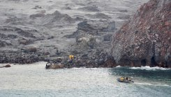 New Zealand recovery teams return to volcanic island