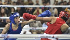 Mary Kom beats Zareen, makes it for Olympic qualifiers