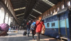 Group of offices condemns merging of railways services