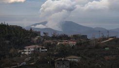 Philippine volcano still life threatening despite lull
