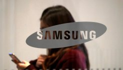 Samsung to set up smartphone display unit in Noida