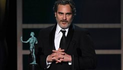 SAG Awards: Phoenix gives shout-out to Ledger