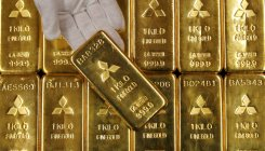 Gold climbs to 2-week high as China virus sparks fear