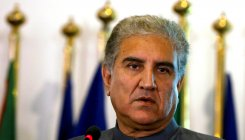 Qureshi says Trump to visit Pak soon; Trump skirts ques