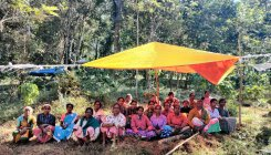 Houseless labourers put up tents on gomala land