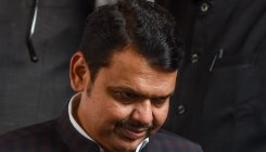 SC to reconsider order on Fadnavis' poll offences