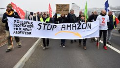Workers criticise Amazon despite risk to jobs