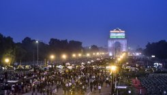 5 metro stations shut for 2 hrs due to India Gate rally