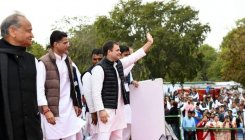 Modi lacks the vision and knowledge on economics: Rahul