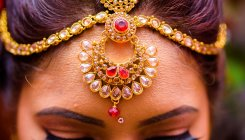 UP women teachers asked to do bridal makeup