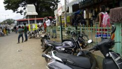 Corporators seek action against roadside parking
