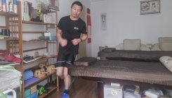 Man runs marathon in apartment as China fights virus