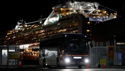 Passengers leave Japan cruise, new infections detected