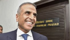 Sunil Mittal meets telecom minister; seeks cut in taxes
