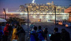 100 in close contact with infected leave Japan cruise