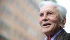 Kirk Douglas leaves most of his fortune to charity
