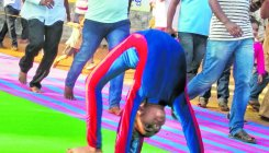 Yoga girl sets record in fastest 100-m Chakrasana race