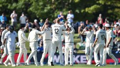 India fold for 242 after batting collapse against NZ