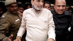 SC junks early hearing plea by SIT against Sajjan Kumar