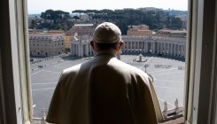 Italian clergyman in Pope's residence has virus: report