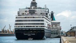 Passengers to leave Aussie after days stuck on cruise
