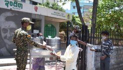 Indira Canteens, Kadri Temple provide meals to homeless