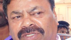 Opposition guns for action against Yetnal, Renukacharya