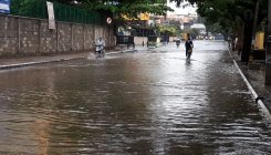 Heavy rain lashes B'luru, 16 families shifted to safety