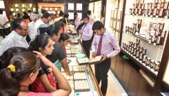 Akshaya Tritiya: Jewellers offer 'gold price safety'
