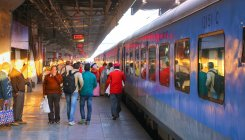 COVID-19: Western Railways withdraws curtains, blankets
