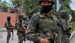 2 injured in encounter with militants in Srinagar