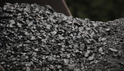 India coal output to clock record 700 mn tonnes in FY21