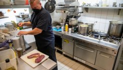 Taste of normality: First restaurants reopen in Germany